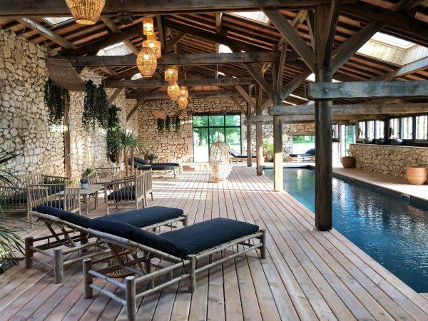Le-clos-des-charmes-Dordogne-Retraite-Satnam-Club-Piscine-Spa
